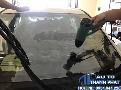 dán film cách nhiệt chống nóng cho xe hyundai accent