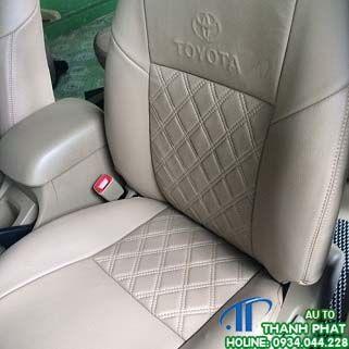 May Bọc Ghế Da Xe Toyota Hilux