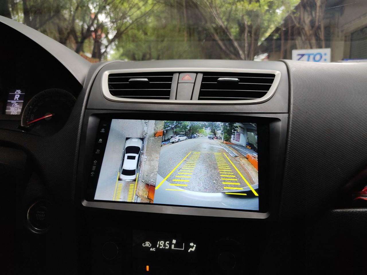 màn hình DVD tích hợp camera 360 độ